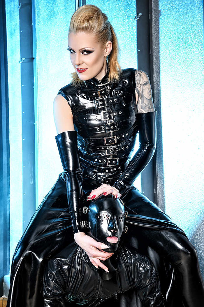 Foto von Rubber Princess Lady Nastasia